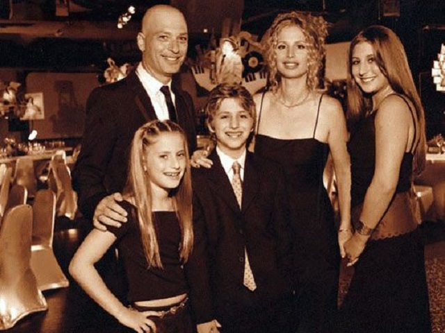 an image of terry mandel family
